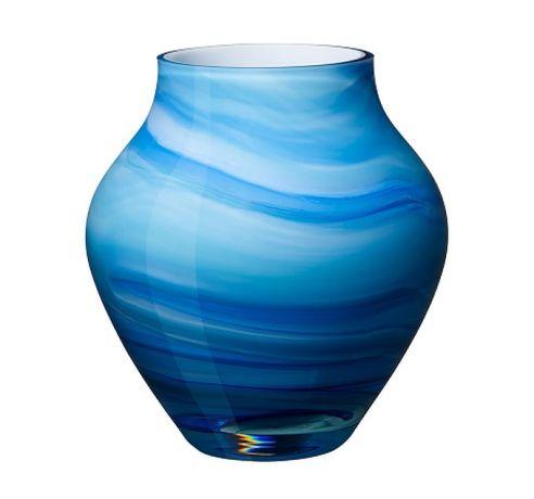 22. Oronda Vase