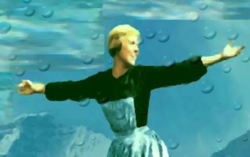 Julie Andrews Aquaman @2x